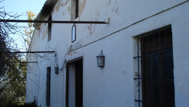 AM74 – Large Spanish Cortijo for restoration in Carratraca.
