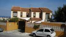 AM90 – Two houses on one plot with sea views in Churriana.