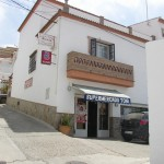 AP968- Business and home in Barriada el Puente, Alora