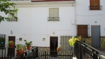 APA58- Traditional village house in Alora