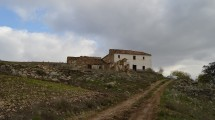 AM119 – Large Cortijo (ruin) for renovation.