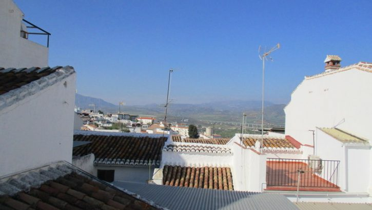 APA107- Large townhouse in Alora, Málaga