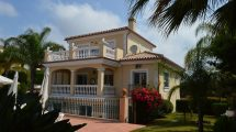 AM128 – Very well-built property with 4/6 guest rooms to use as B&B.
