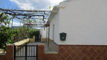 APA121- Detached property in the village of Bermejo in Alora