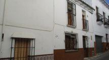APA126- Spacious traditional townhouse in Alora
