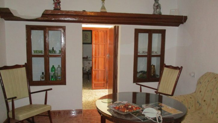 APA136- Large traditional house in Alora