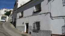 APA140- Well maintained 7 bedroom village house in Alora