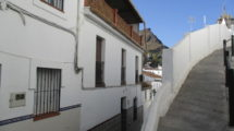 APA142- Fully refurbished 5 bedroom village house in Alora