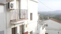 APA143- Three level townhouse in Alora