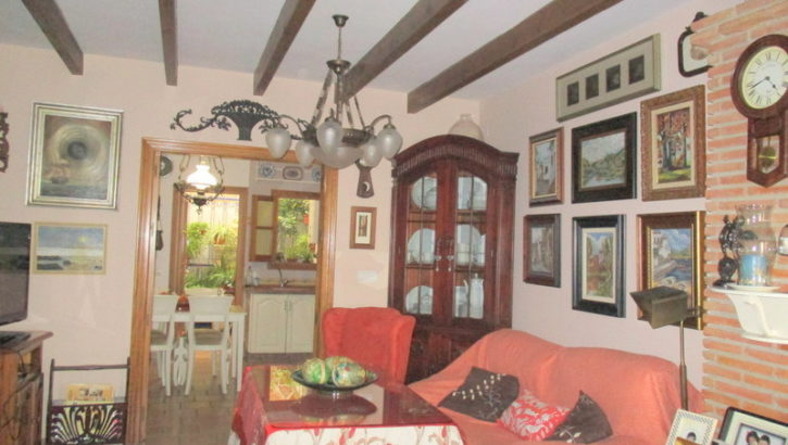 APA151- Tastefully refurbished traditional 4 bedroom village house in Alora