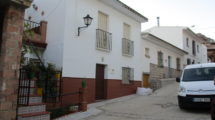 APA155- Townhouse in Alora divided into 2 units of accommodation