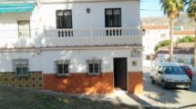 APA354- Four bedroom village house in Alora