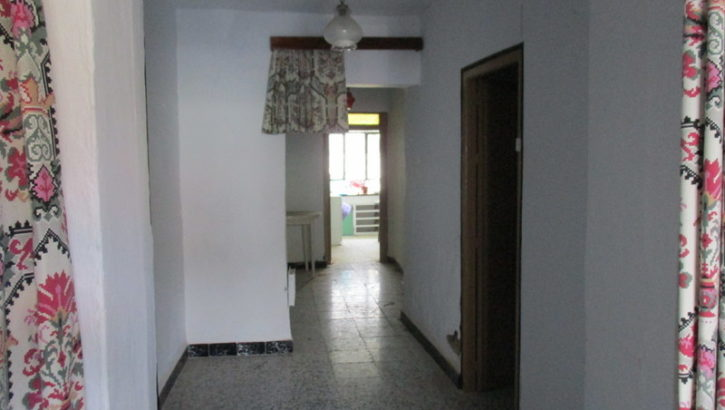 APA12- Village house in need of renovation in Alora (UNDER OFFER)