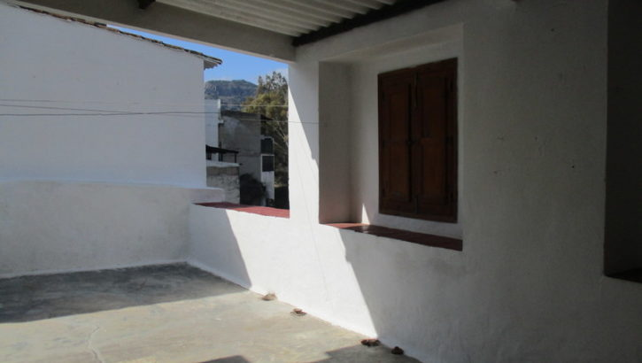 APA176- Village House in Barriada el Puente, Alora