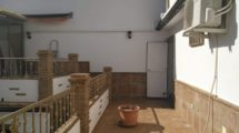 APA215- Modern 5 bedroom, 2 bathroom town house in Alora