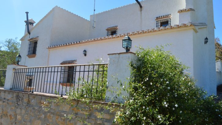 AM149 – Avocado farm with 2 houses near Carratraca.