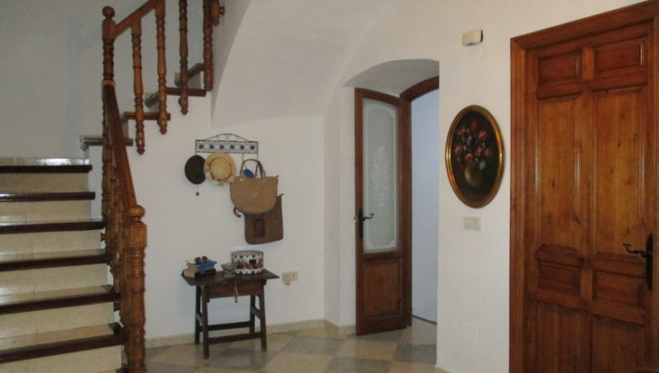 APA236- Large village house in Alora