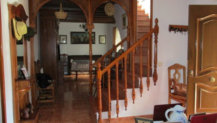 APA242- Attractive, spacious refurbished traditional Spanish house in Alora