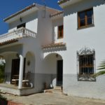 AM151 – Large detached house on the edge of the Andalusian village of Alora.