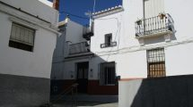 APA268- Charming three bedroom town house in Alora
