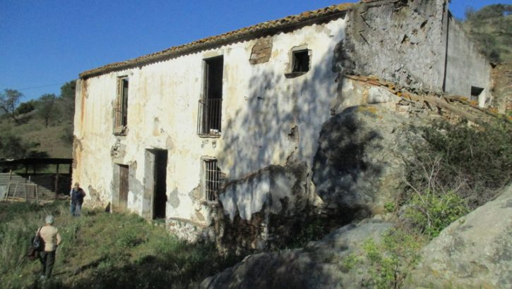 APA284- Charming, large, old country house set within approx. 150.000 m2 of land