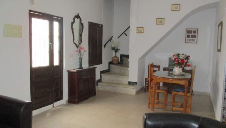 APA288- Attractive, well maintained 5 bedroom village house in Alora