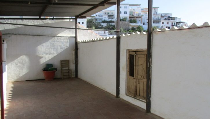 APA290- Substantial townhouse in a quiet central street of Alora