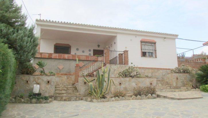APA298- Attractive three bedroom Spanish villa in Alora