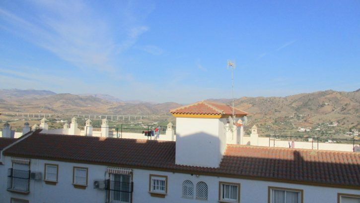 APA302- Immaculately presented, modern 3 bedroom, 2 bathroom apartment in Alora