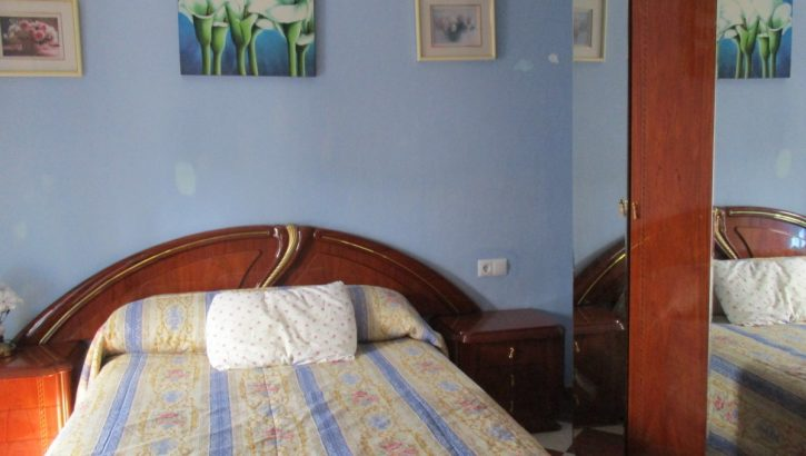 APA308- Substantial 4 bedroom village house in Alora