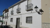 APA314- Very substantial village house in Valle de Abdalajis