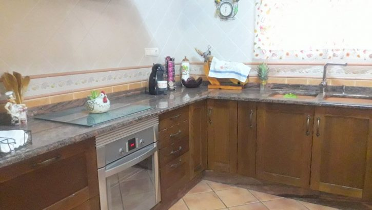 APA322- Attractive 4 bedroom, 2 bathroom country property in Alora