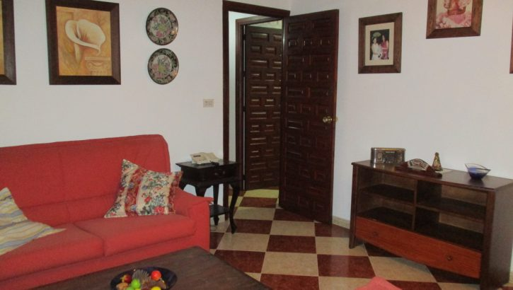 APA336- Well maintained 3 bedroom, 1 bathroom village house in Alora