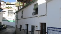 APA338- Large village house in Alora