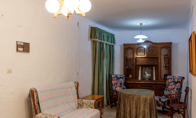 APA357- Traditional 4 bedroom village house in Alora