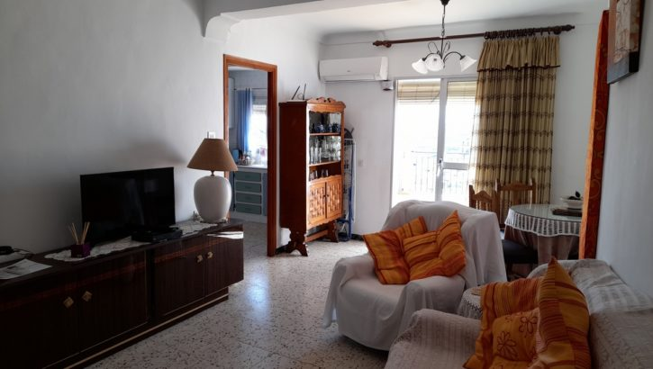APA370: Freshly presented, refurbished, large town house in Alora