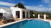 APA384- Quality built 3 bedroom, 3 bathroom villa in Pizarra