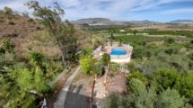 APA383- Traditional 4 bedroom former Spanish farmhouse and one bedroom cottage in Pizarra