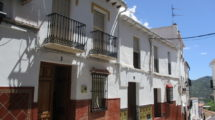 APA385- Spacious traditional 4 bedroom village house in Alora